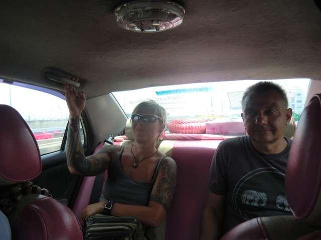 ganz schön anstrengend so eine Fahrt im Taxi in Bangkok